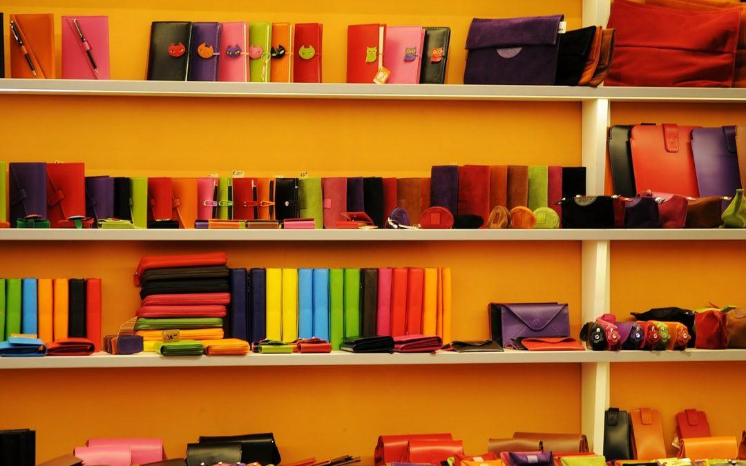 Comment décorer son intérieur avec des meubles colorés?